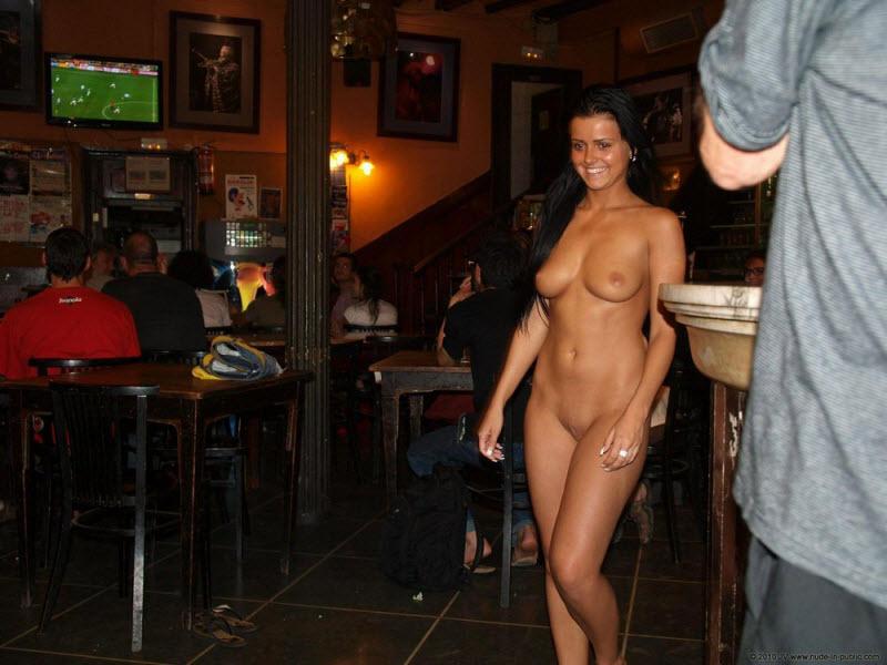 Везде голые девчонки мерещатся
