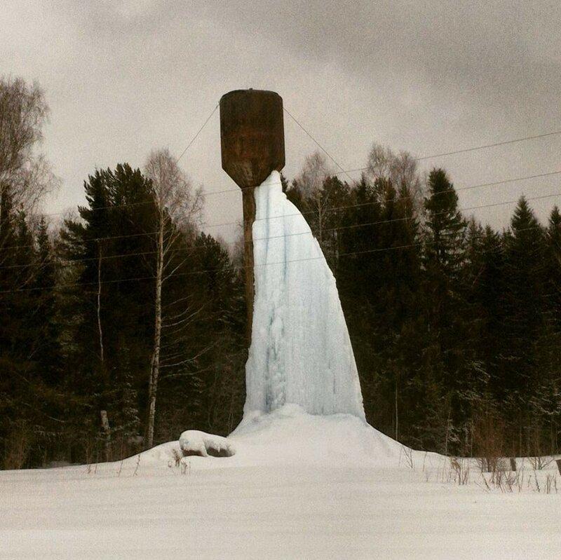 Замёрзшая вода на водокачке.jpg