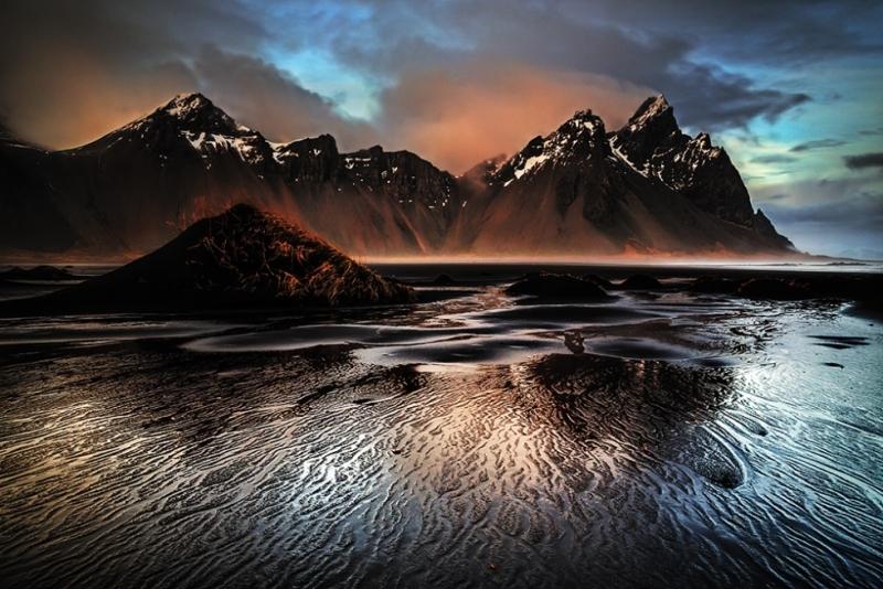 Удивительные черные природные ландшафты