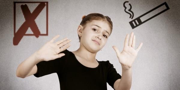 Детям нельзя смотреть на курильщиков по телевизору