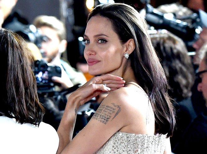 Джоли не хотела иметь детей