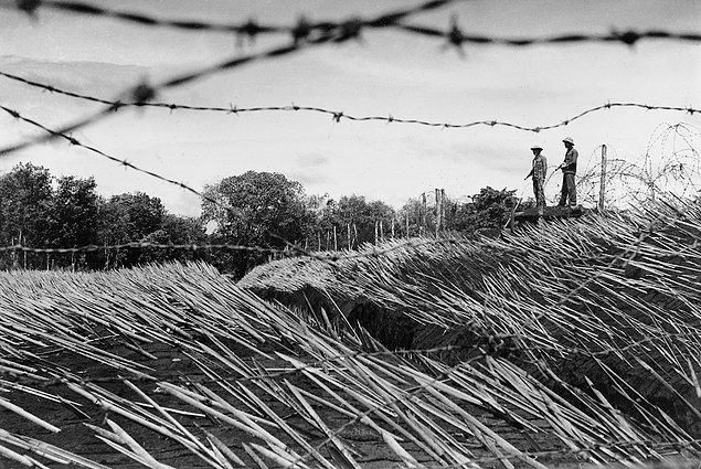 Партизаны устанавливают заставу на границе Вьетнама и Камбоджи. Для того, чтобы никто не мог приблиз