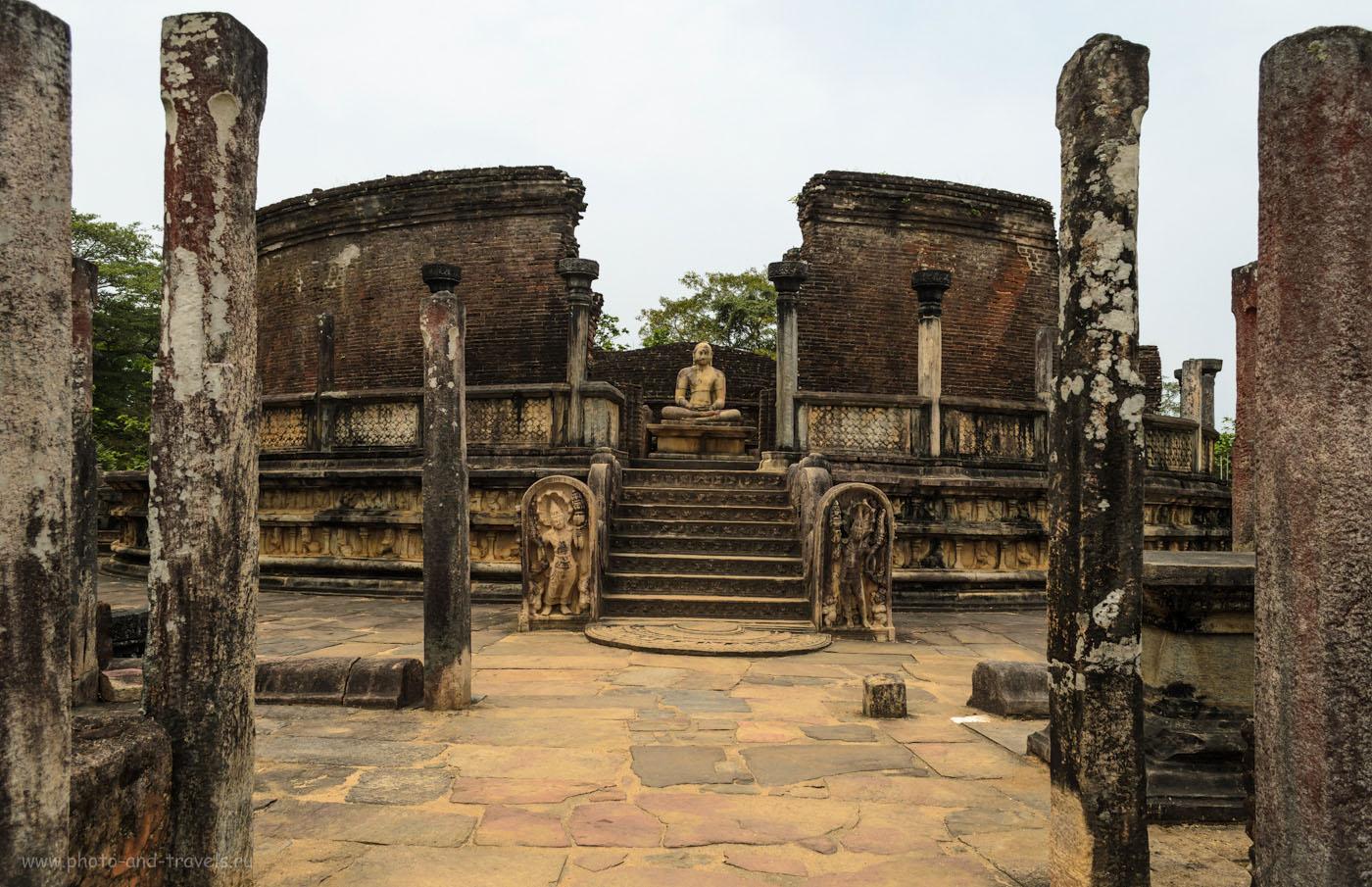 Фотография 8. Круглый дом реликвий Vatadage Dalada Maluwa в старинном городе Полоннарува на Шри-Ланке. Отчет о том, как поехать туда на экскурсию самостоятельно.