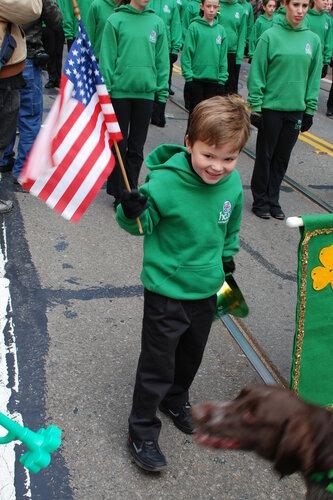 Мальчик с американским флагом