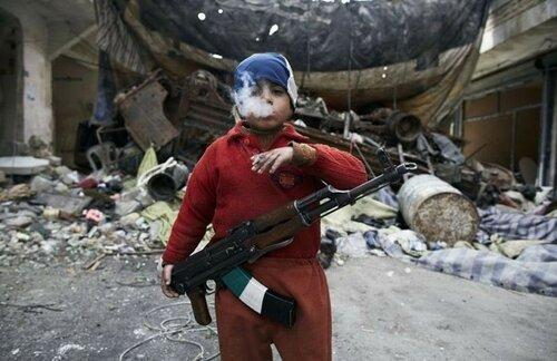 8-летний сирийский повстанец