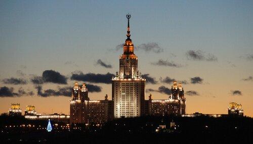 Новогодний МГУ