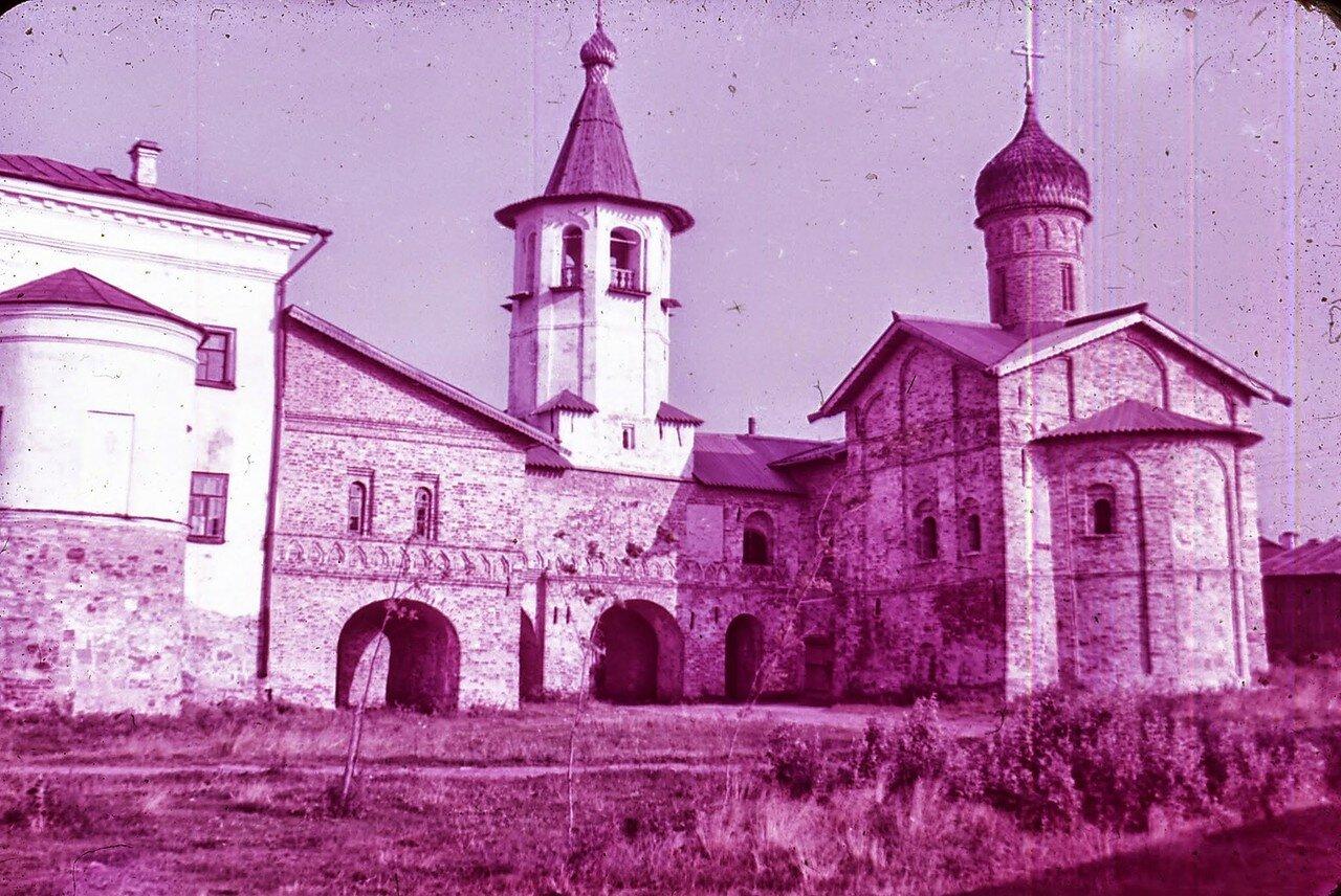 Новгород. Церкви Архангела Михаила и Благовещения на Торгу