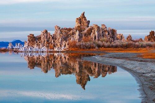 Замки озера Моно