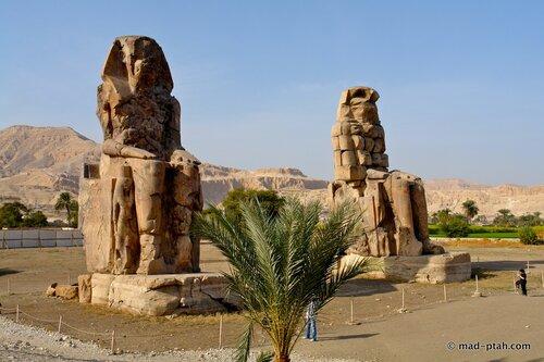 статуи близнецы, египет, аменхотеп III