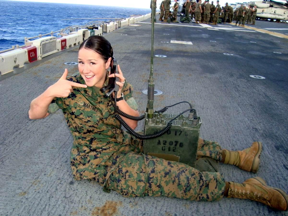 Позвони мне, позвони!: Радистка с авианосца