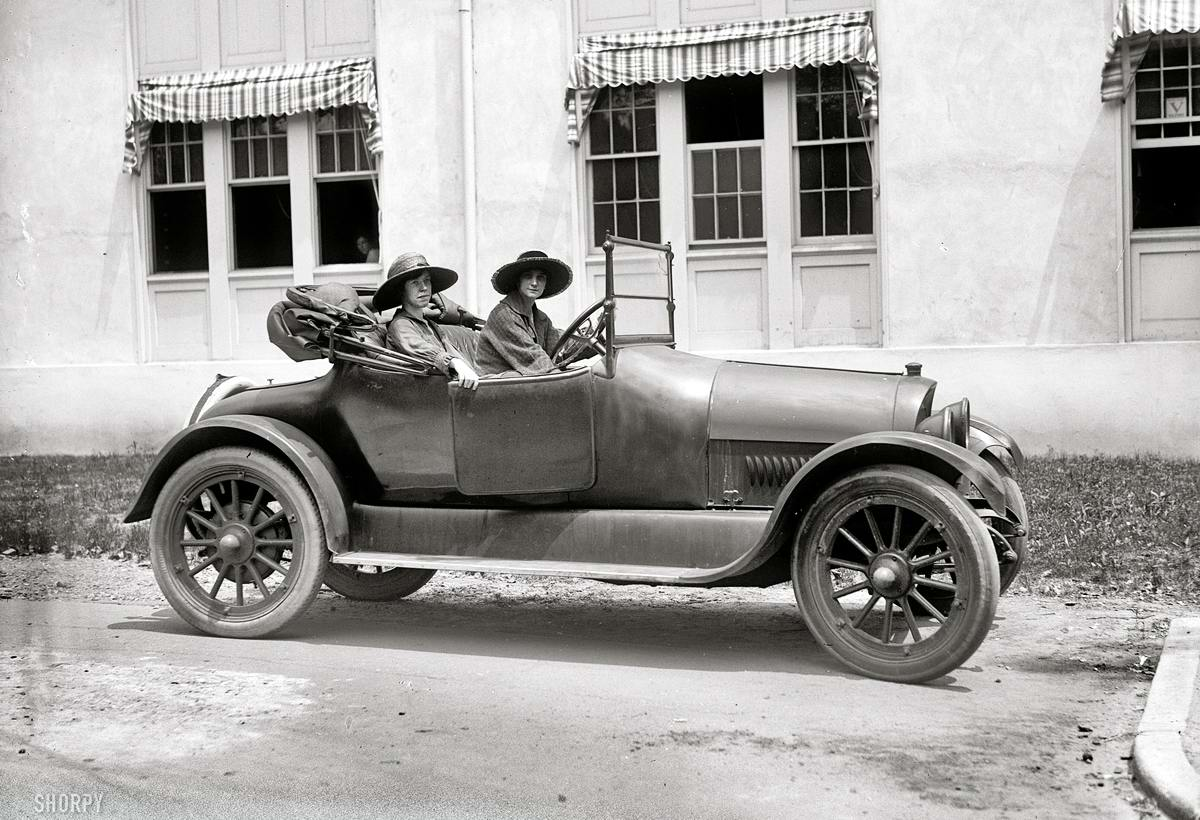 Автомобили и девушки начала 20-го века на снимках американских фотографов (11)