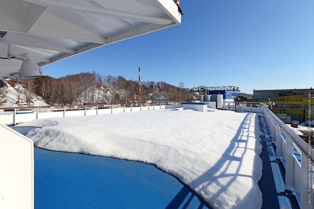 солярий в снегу теплоход Дмитрий Фурманов
