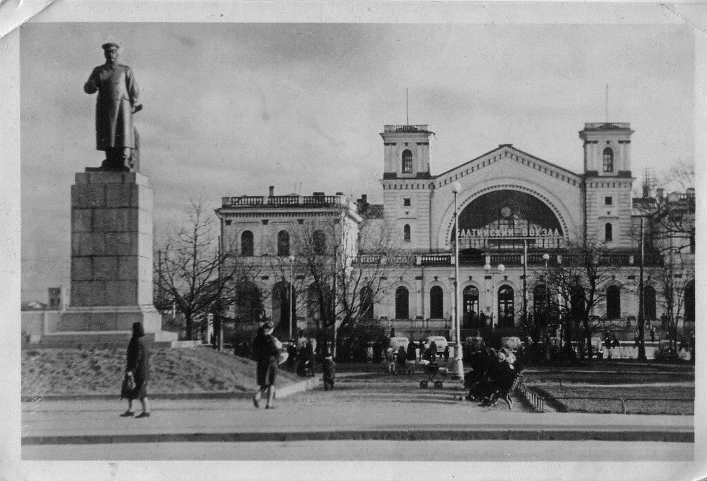 Ленинград Балтийский вокзал.jpg