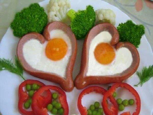 яичница в виде сердечка на день святого валентина