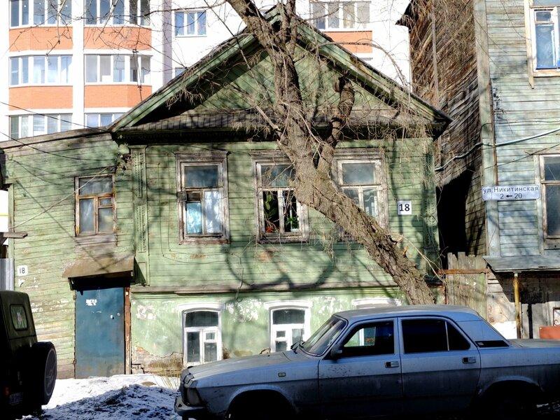 Льва Толстого и Никитинская 194.JPG