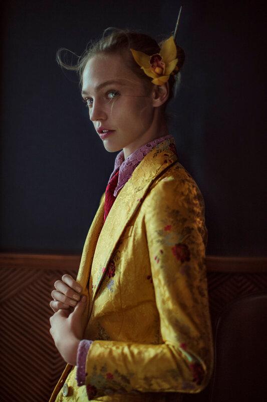 anja-rubik-sasha-pivovarova-by-chen-man-for-vogue-china-february-2016-4