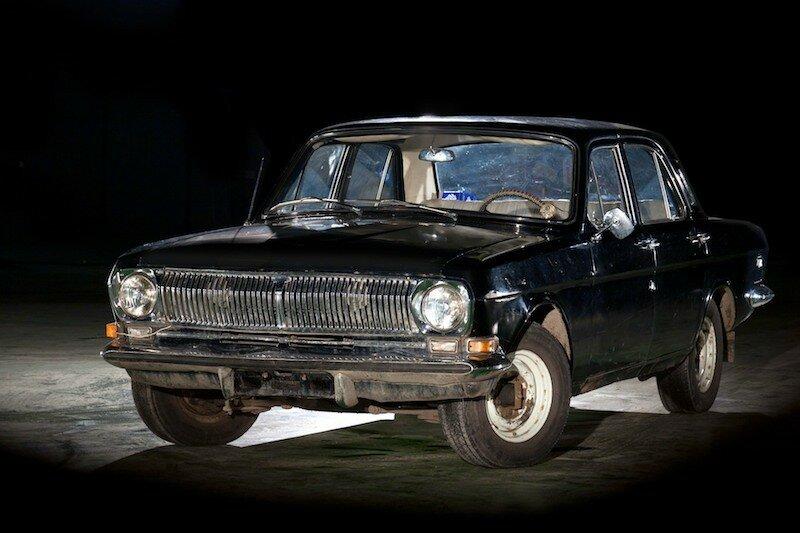 Суровые рыцарь российских дорог. Фото старых автомобилей с HDR-эффектом