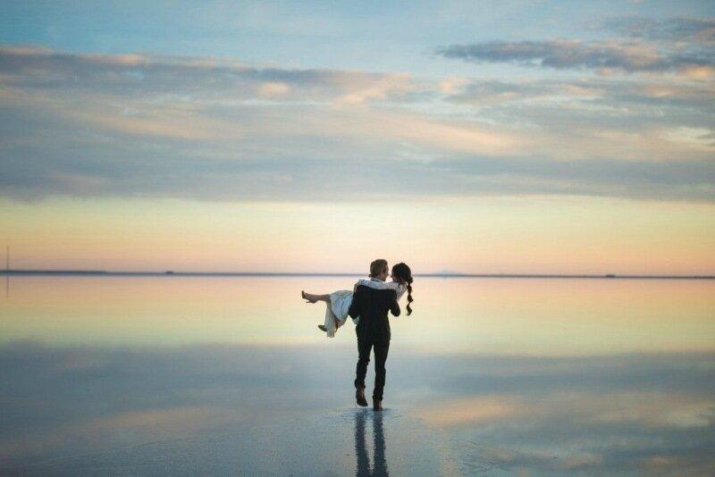 Молодожёны, гуляющие по воде. Красивая свадебная фотосессия 0 1cd5cc e6dbfc63 XL