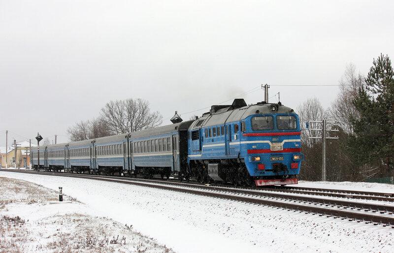 ДДБ1, 2М62У-0313, пригородный поезд 6603 Езерище - Витебск на станции Грибачи