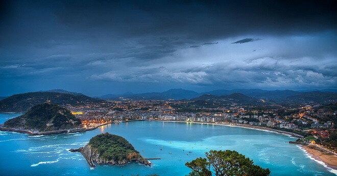 Пляж Ла-Конча. Испания