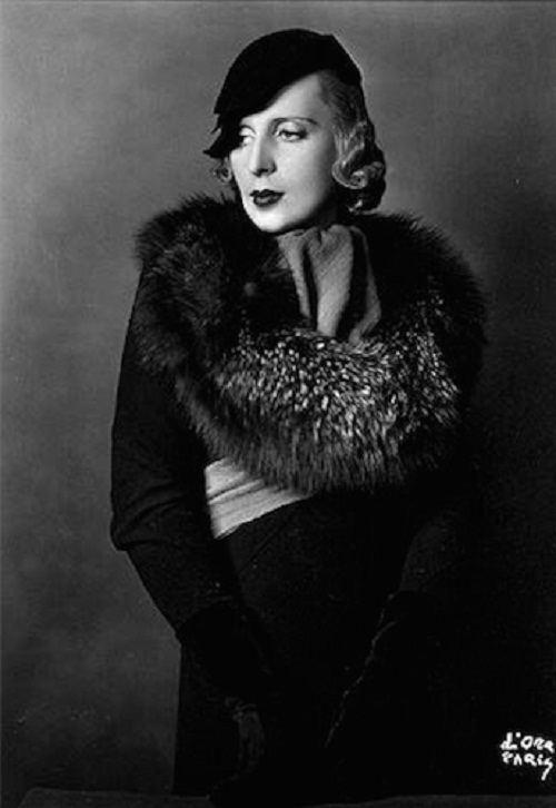 Tamara-de-Lempicka-wearing-Lucien-Lelong-coat-and-Rose-Descat-hat-Madame-DOra-1933.jpg