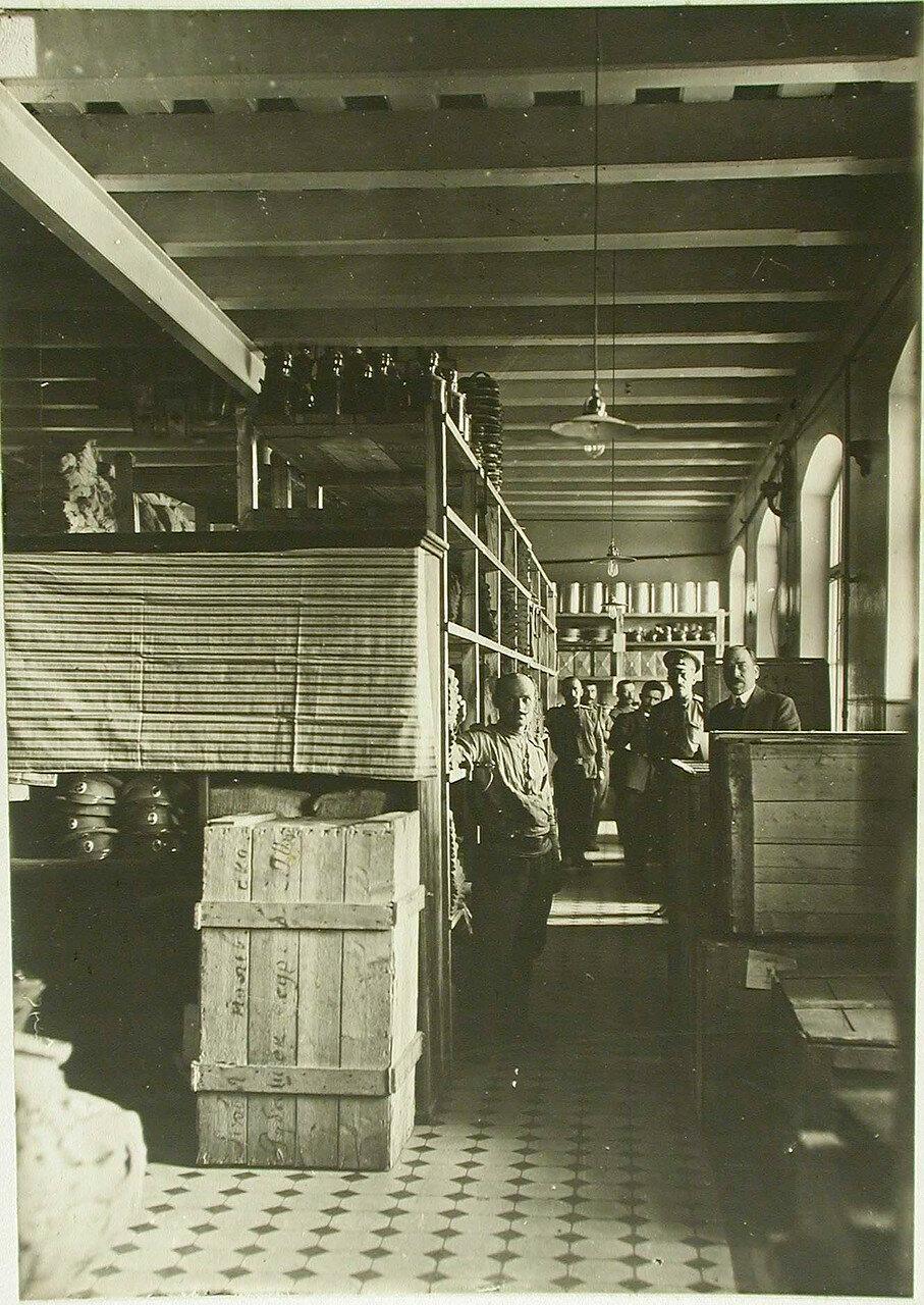 Вид отделения полевого склада Красного Креста. Люблин, Польша. 1914