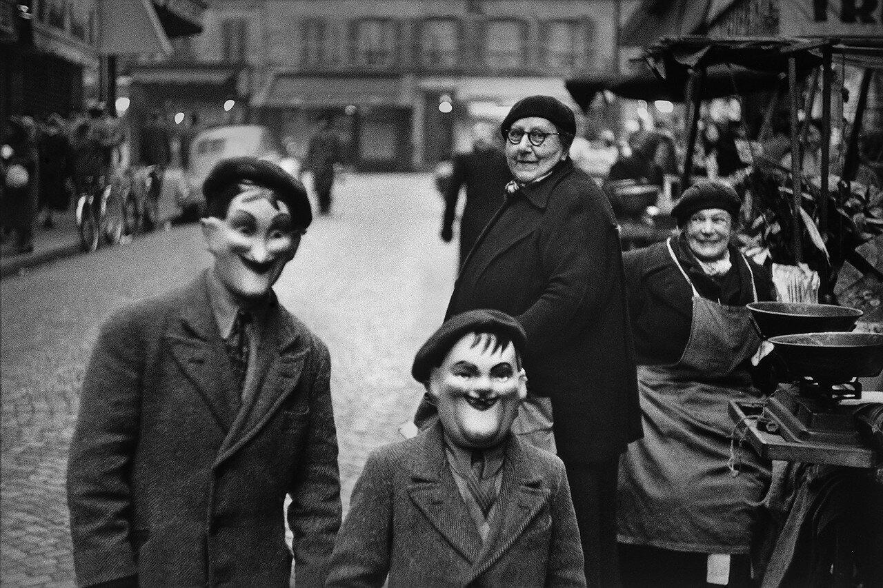 1949. Франция, Париж