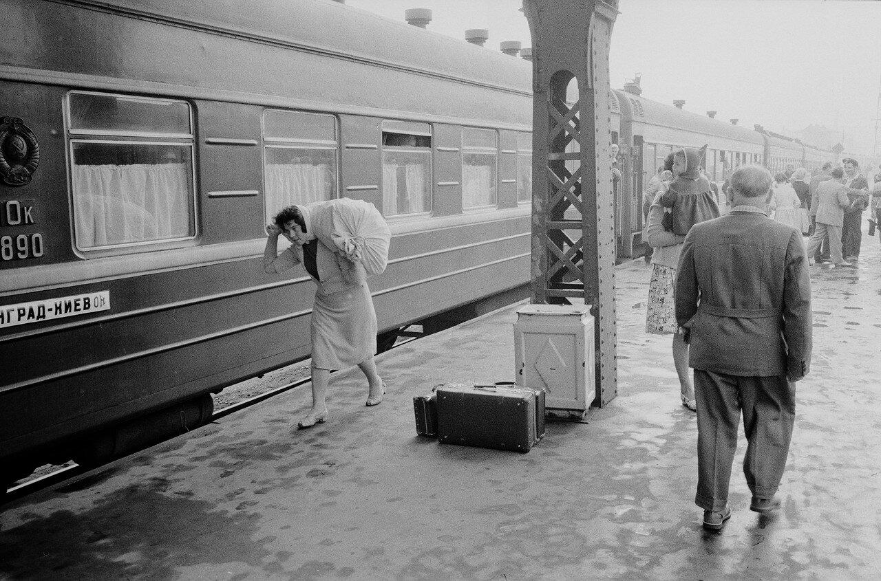21. На перроне Витебского вокзала
