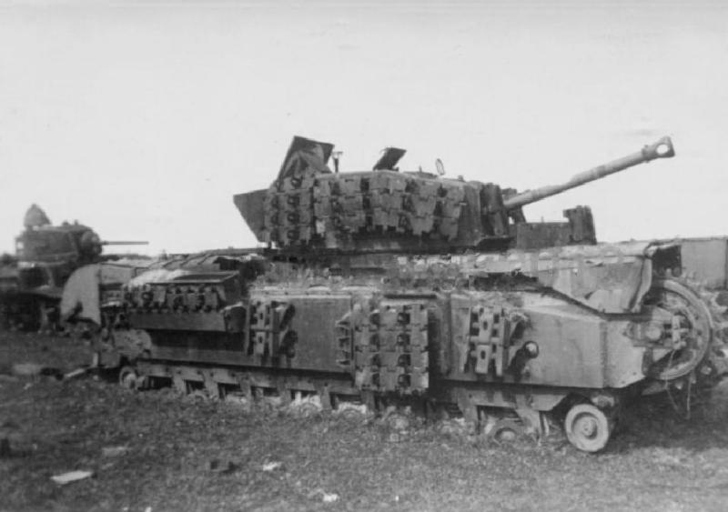 Подбитые танк Mk IV (A22) Churchill и М3л.