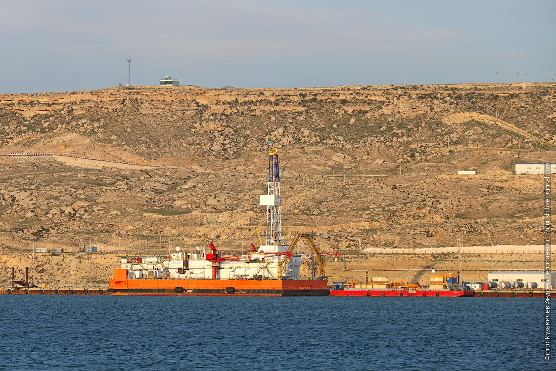 плавучая нефтяная установка в Баутино Казахстан
