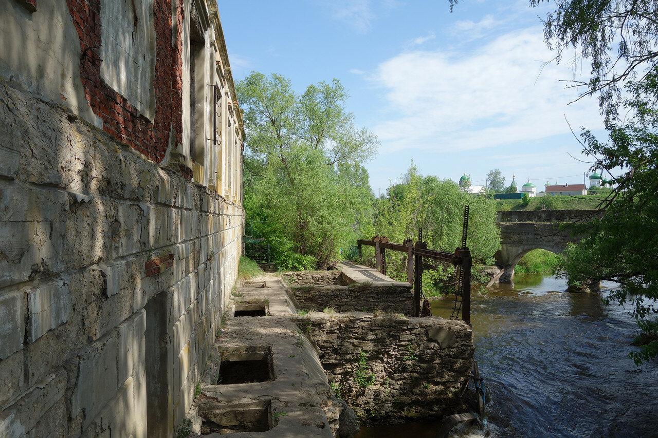 бывшая ГЭС у села Троекурово