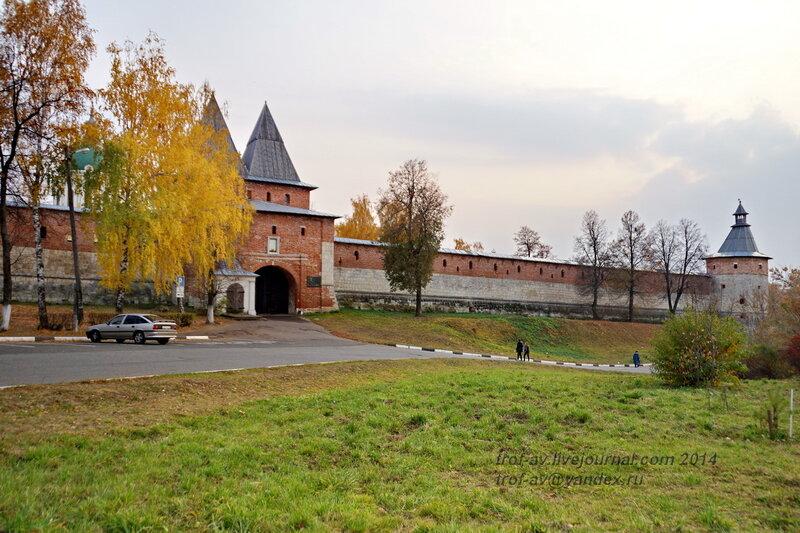 Никольская проездная башня. Зарайский кремль
