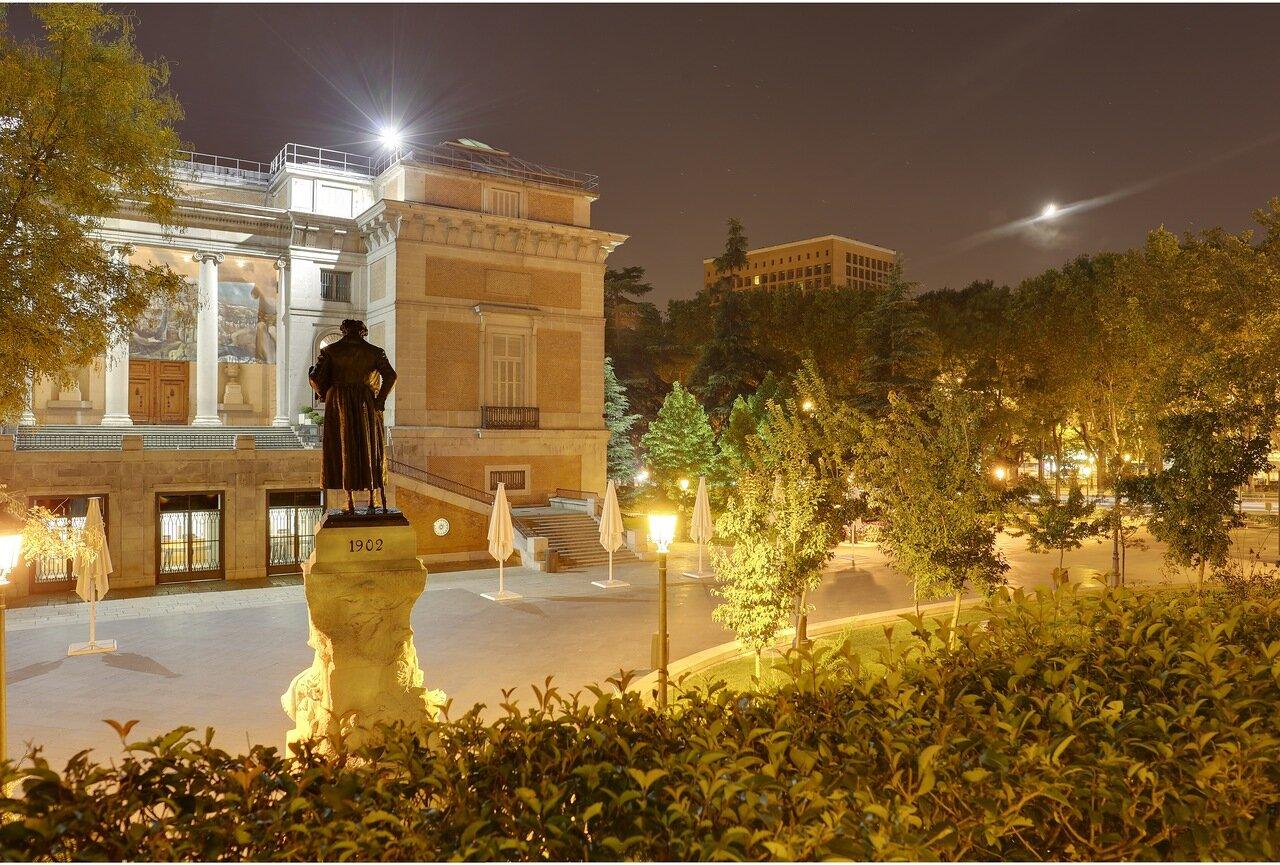 Мадрид. Прадо. и памятник Франсиско Гойя