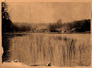 Вид на усадебный дом со стороны Сайменского канала (от Острова с палаткой).