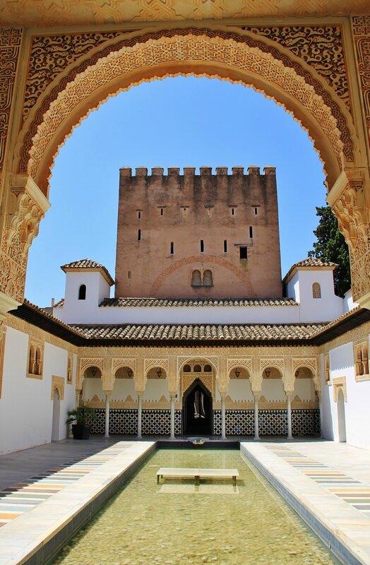 Миртовый двор Альгамбры(Гранада)