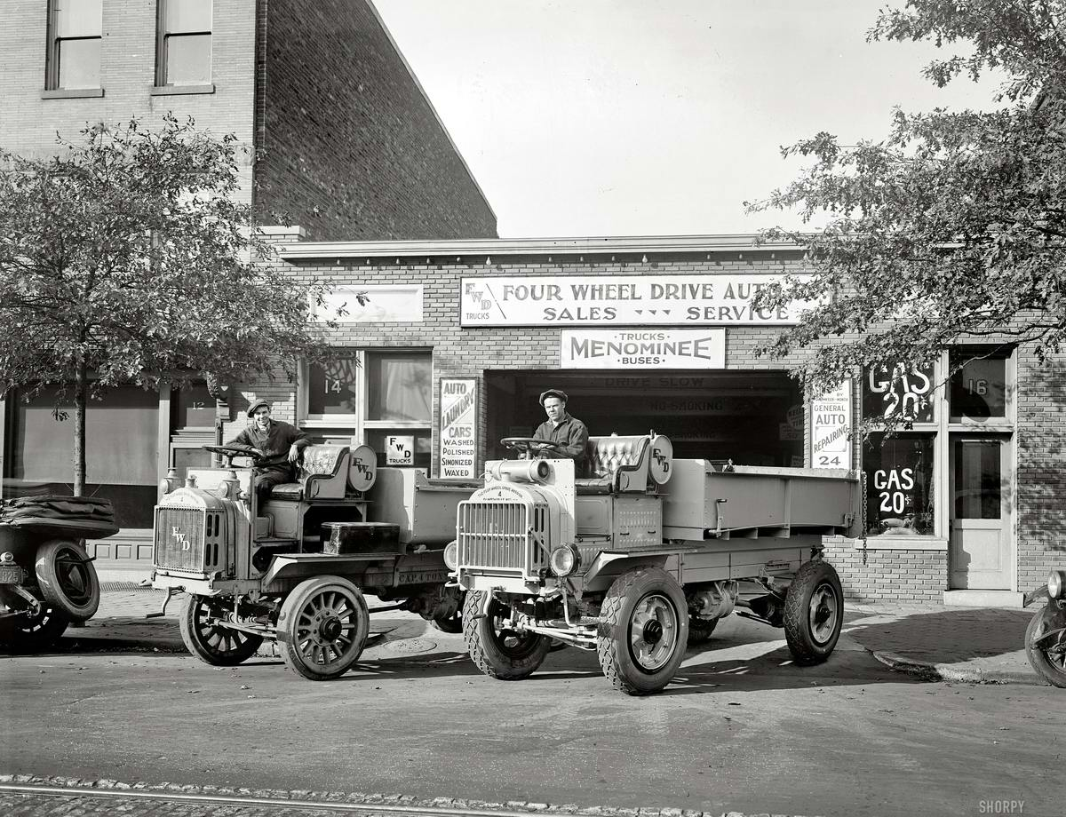Грузовые автомобили начала 20-го века на снимках американских фотографов (29)