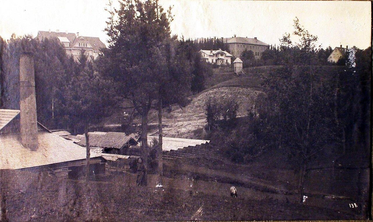 05.Общий вид зданий, где располагался штаб XII армии в Биркенру. Лифляндская губ.Венден г, близ города. 1915