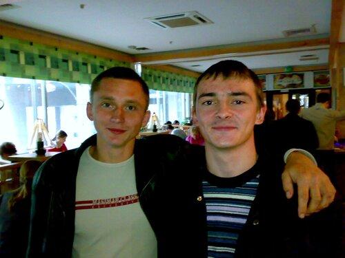Юра и Сергей Нестроевой