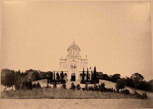Вид храма во имя Вознесения Господня (проект А.Г.Венсана, архитектор В.А.Шретер, 1872-1876 гг.; Ливадия.).