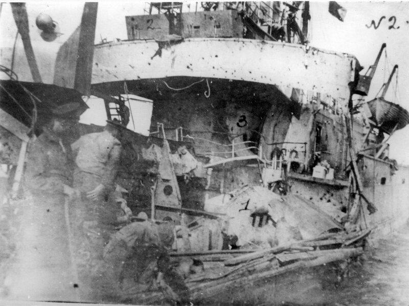 Повреждённая канлодка «Бира» Ладожской военной флотилии