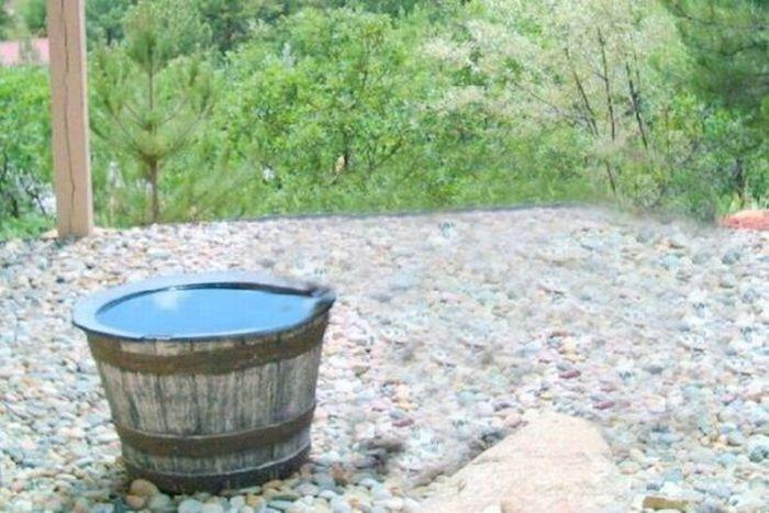 Куда пропадает вода из бочки?