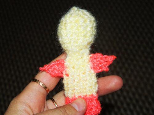 Цыпленок – персонаж для пальчикового кукольного театра