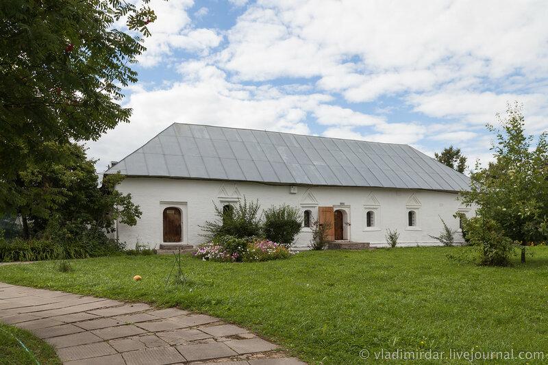 Приказная изба. Свято-Покровский монастырь в Суздале.