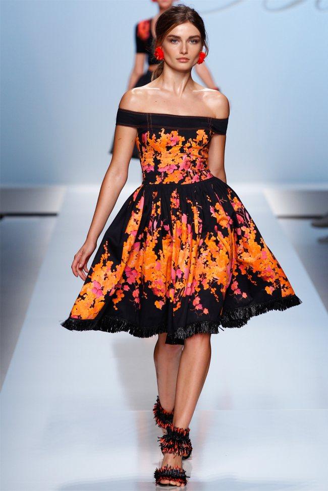 Итак, какими являются модные платья весна-лето 2012.