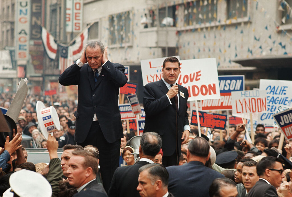 1964_President Johnson California.jpg