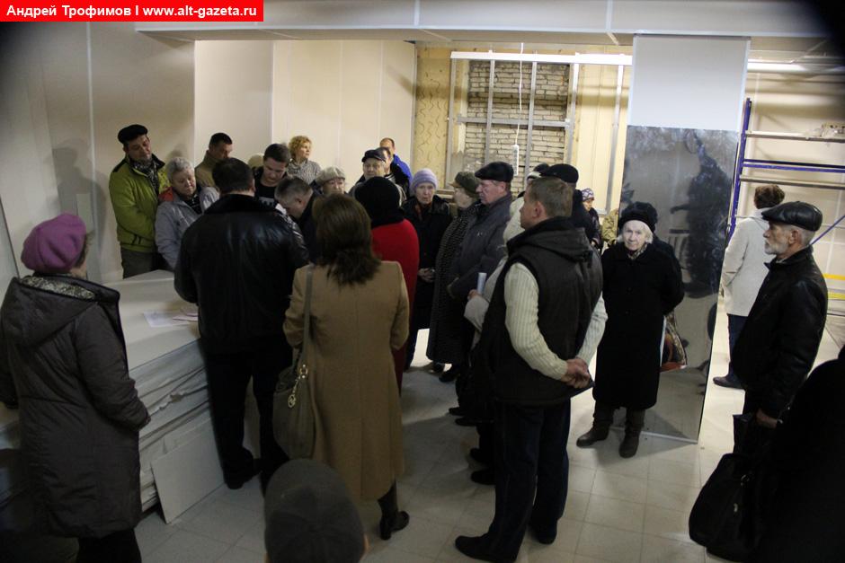 Два метра на кладбище от депутата Александра Сивова
