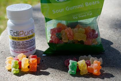 Полицейские Колорадо испугались хэллоуинских конфеток с марихуаной