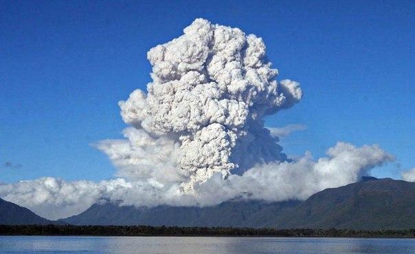 Красивые фотографии: извержения вулканов 0 10f562 8d399855 orig
