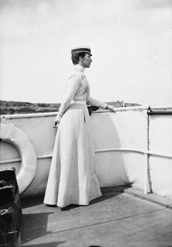 Королева Виктория на борту корабля, 1900