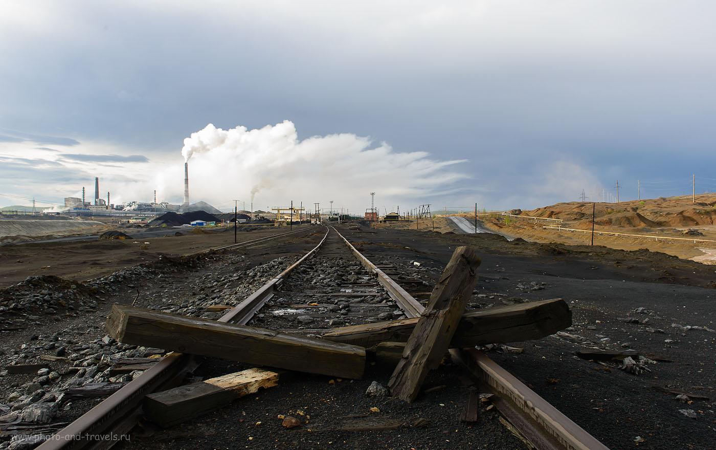 12. Сернистый газ падает на городские крыши. Вот так выглядят окраины Карабаша. (400, 24, 10.0, 1/125)